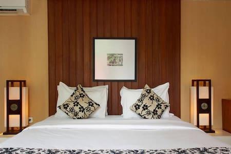 Regal Villa at Lombok! - Mataram - Vila