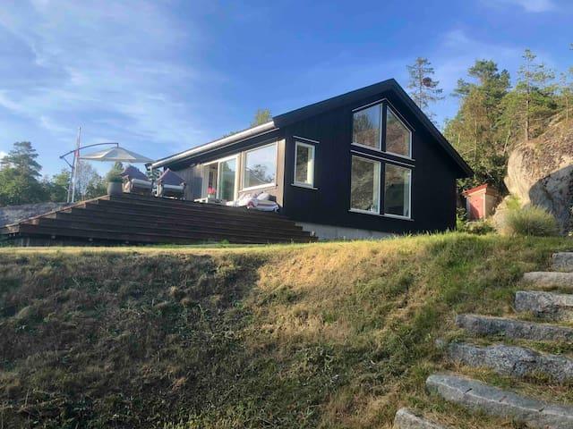 Modern cabin with horizon seaview quiet area -wifi