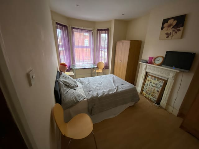 Small enclosed studio ensuite great for short stay
