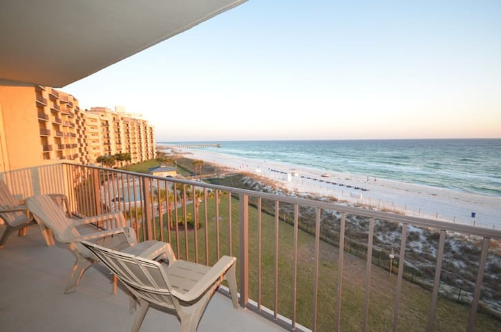 2 BR 2 BA Quiet East End of Pcb Spectacular Views Low Rates