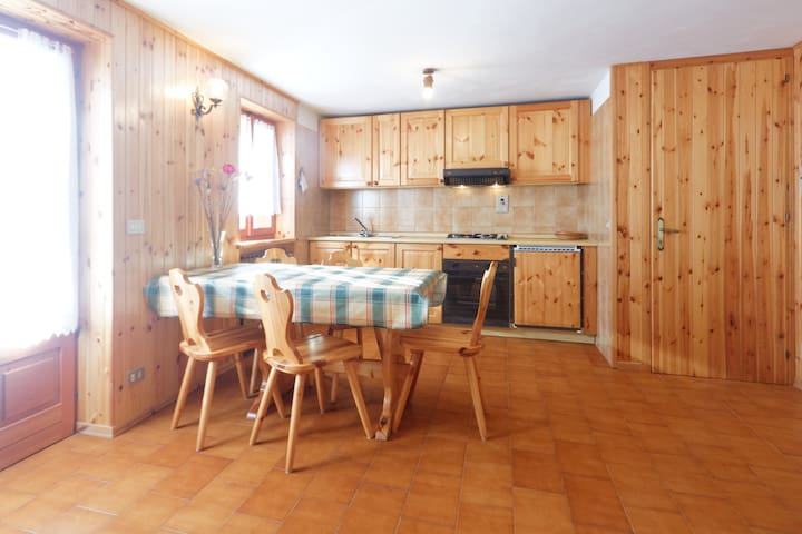 casa a due passi dalle piste - Brusson - Appartement