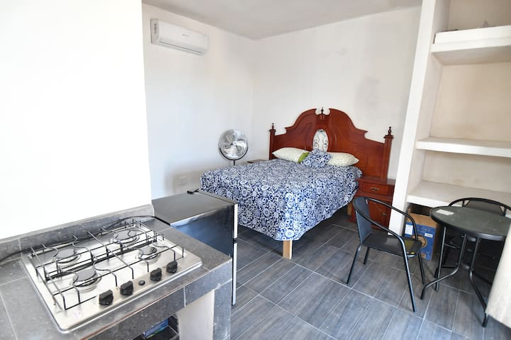 Fantastic downtown apartment, close to the beach