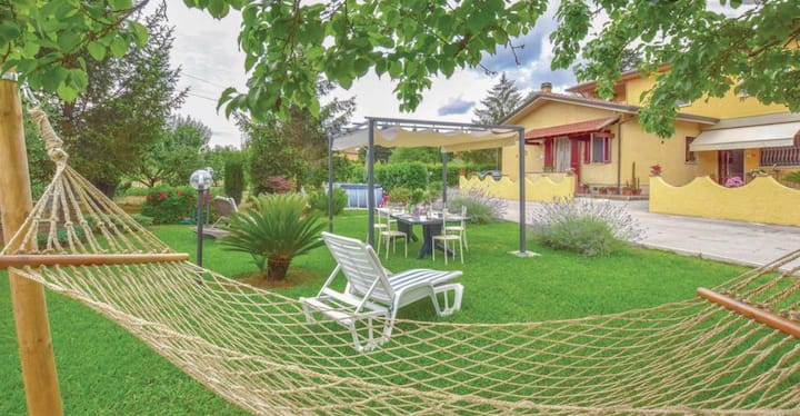 Casa con 4 camere, giardino e piscina in Versilia