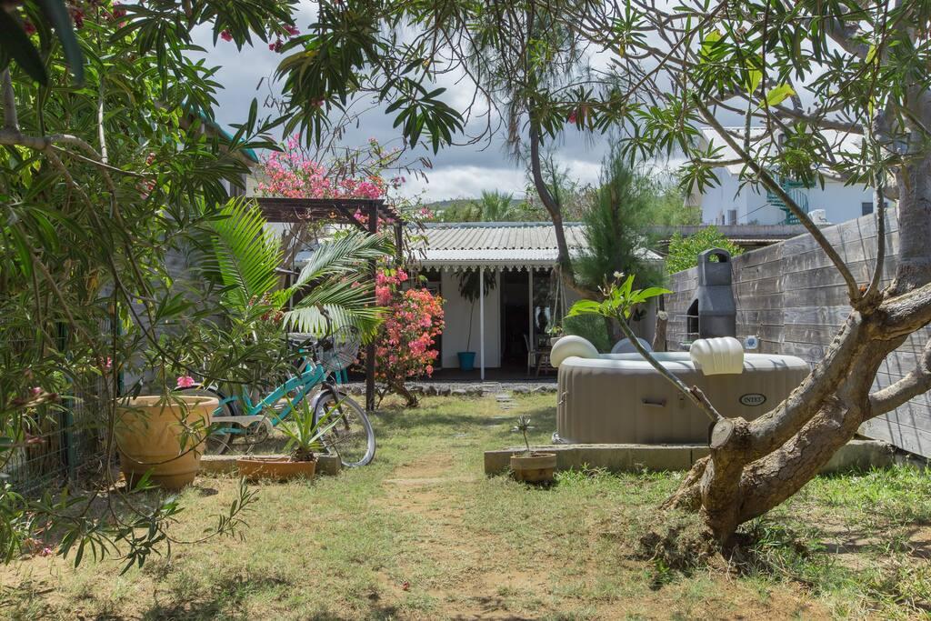 Maisonnette avec grand jardin et jacuzzi entièrement privatifs