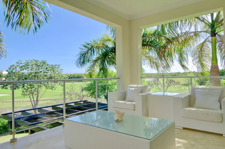 ✰ Modern Condo w/ Huge Terrace ✰ Punta Cana Resort