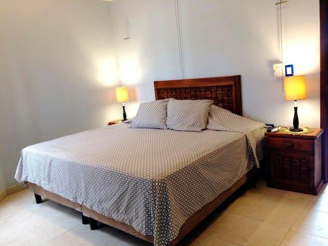 Depa Una recamara de lux en el corazón de Mérida2