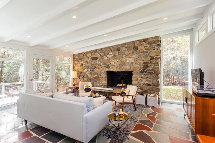 Mid-Century Retreat with on 25 Acres