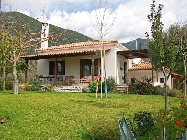 Beautiful house overlooking the Gulf of Corinth - Skaloma - Villa
