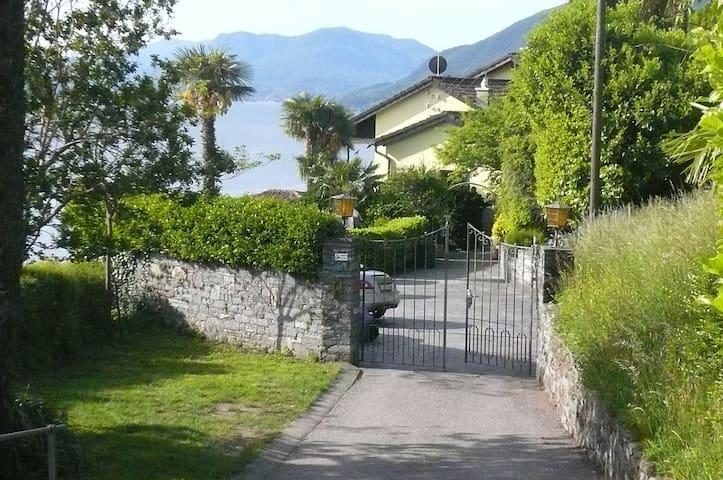 Ausblick auf den Lago Maggiore - Brissago - Hus