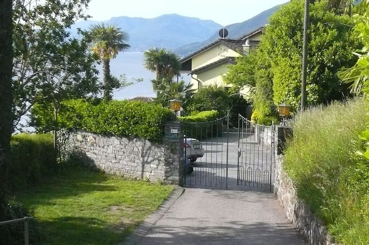 Ausblick auf den Lago Maggiore - Brissago - House