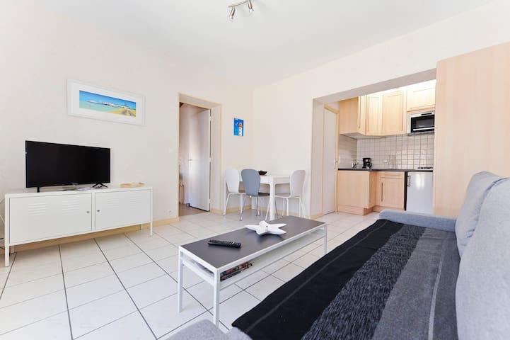 ROYAN, le Chay appartement dans villa ALBATROS