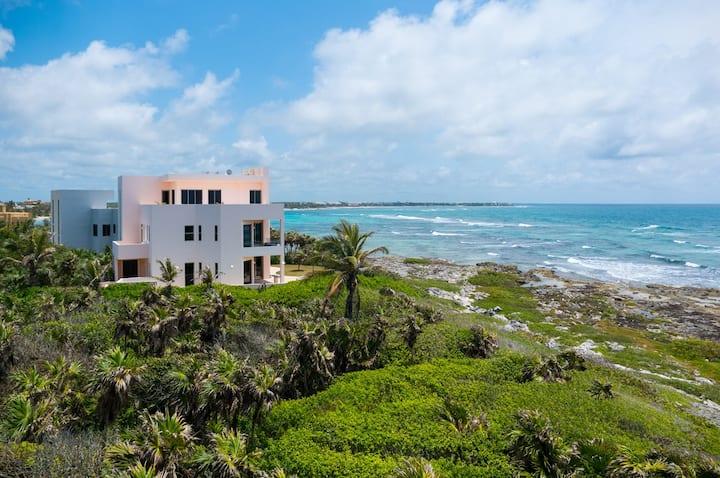 Fantasea-Stunning Spacious Akumal Oceanfront Villa