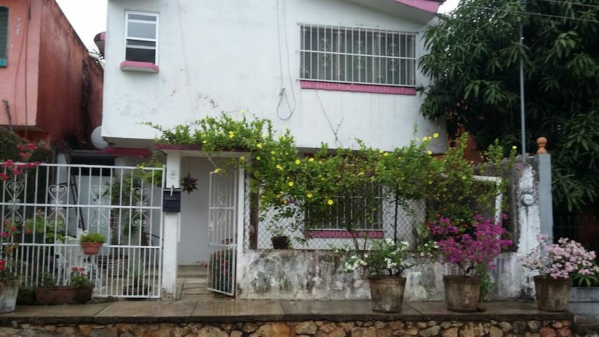Nice Room in a small house - Tuxtepec - Casa