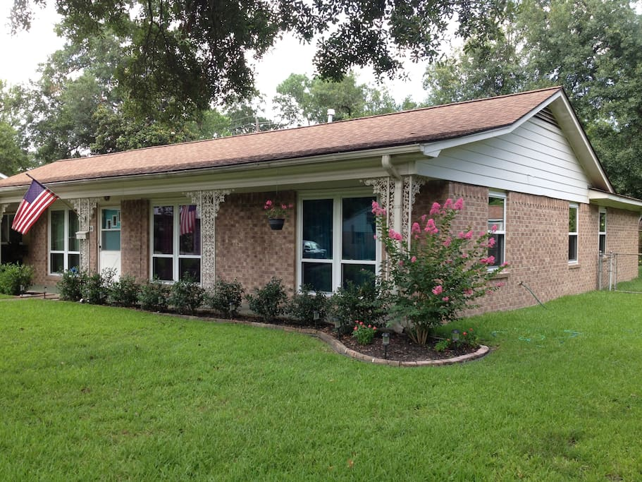 Side of the house with the Crepe Myrtle (summer bloom)