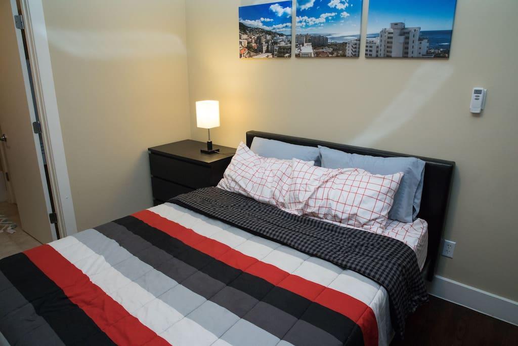 Queen size casper mattress!