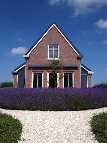 Luxe vakantiehuis van alle gemakken voorzien