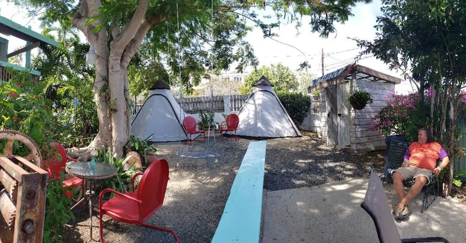 Camping @ La Jamaca Hotel