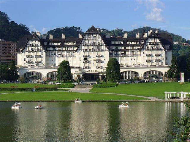 apartamento Hotel Quitandinha, frente para o lago