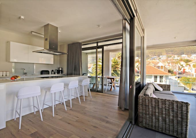 Brand new luxury apartment perfectly positioned - Cape Town - Apartment