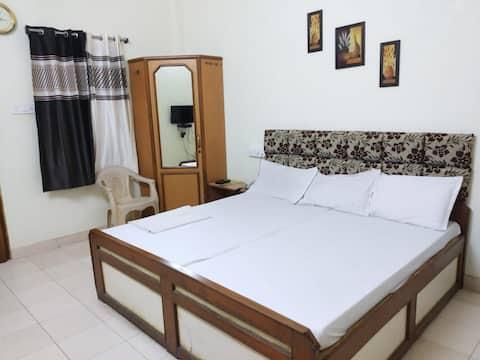 Standard Room Hotel Indra Mahal