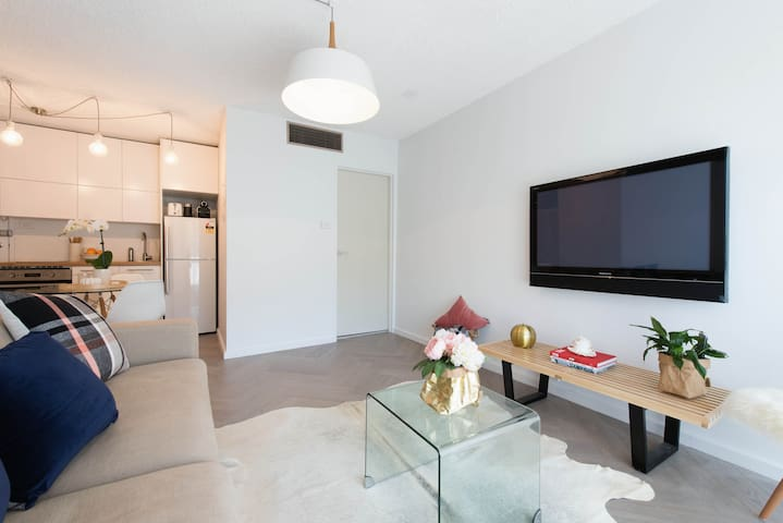 Renovated apartment in the Heart of Bondi Junction