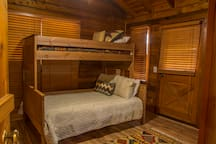 Full bed +twin bunk above