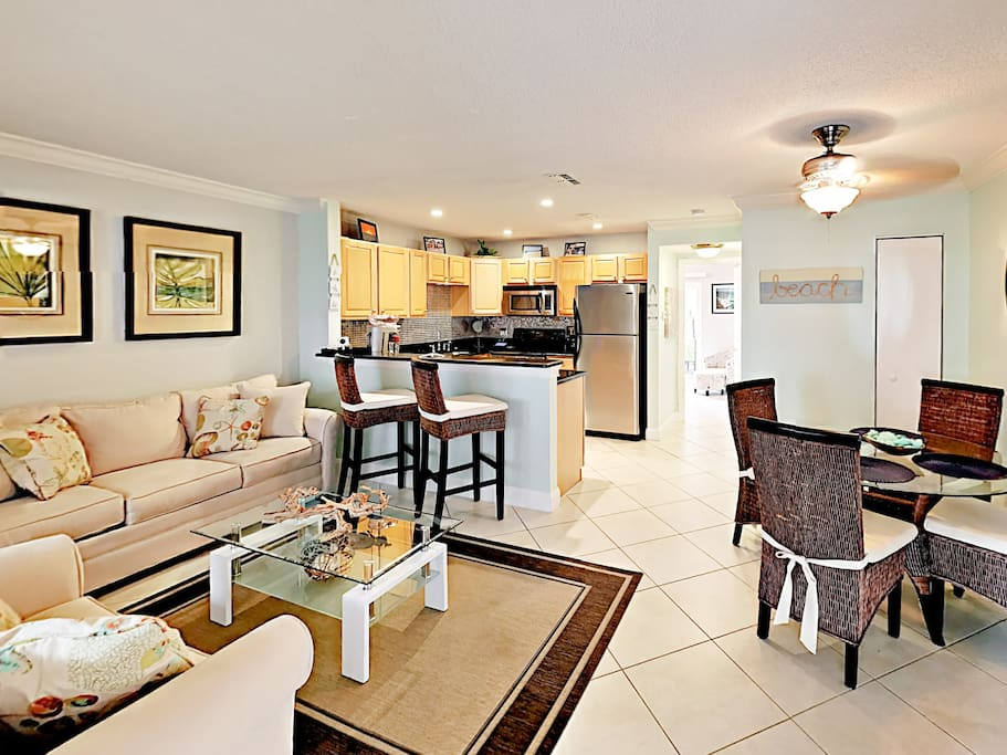 Lounge on the couch or love seat and enjoy complimentary Wi-Fi.