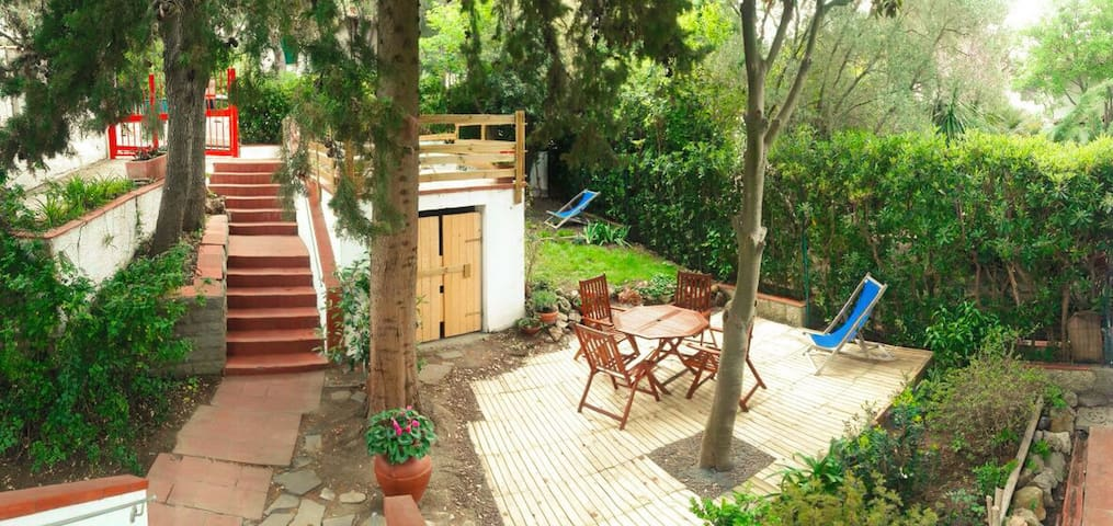 """Casaquercianella"" with garden near the sea 2/6 p. - Quercianella - Flat"