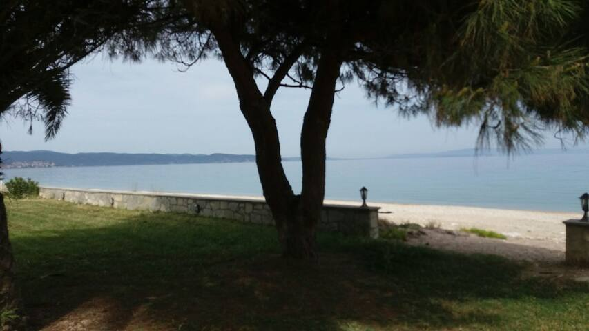 Two room apartment by the beach - Σαλονικιού - Apartament