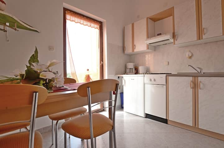 One bedroom Apartment, 30m from city center, in Pavicini, Terrace