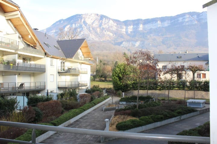 studio récent Aix- Les- Bains, Mouxy