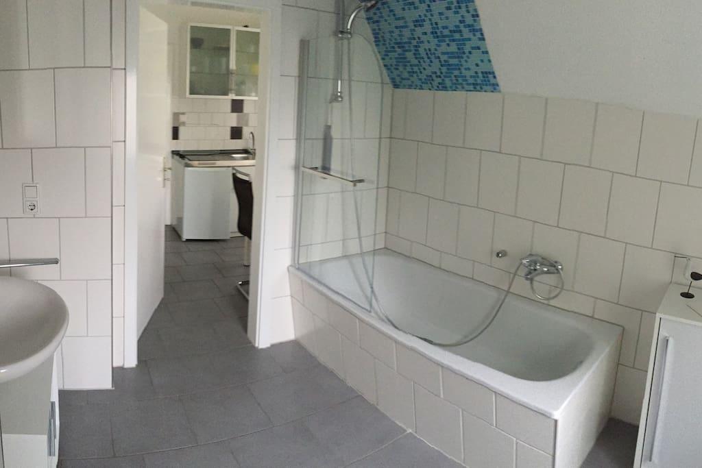 Moderne wohnung in 50er jahre villa wohnungen zur miete for Badezimmer 50er jahre