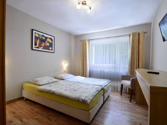 nowoczesny pokój 2 os w willi 3 km od centrum