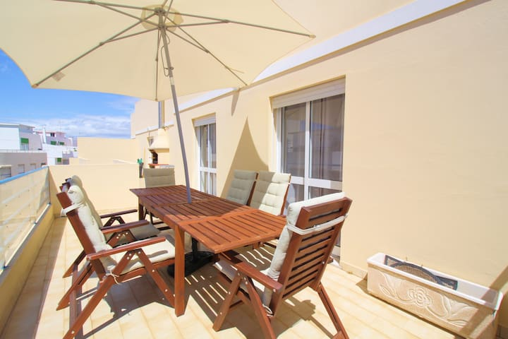 3 bedrooms flat in Quarteira, 350m to the beach