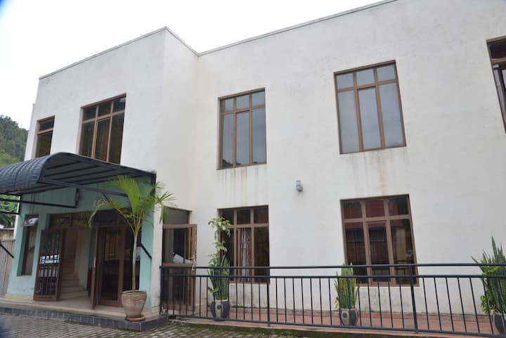 Sawa Sawa Motel Single rooms in Gisenyi
