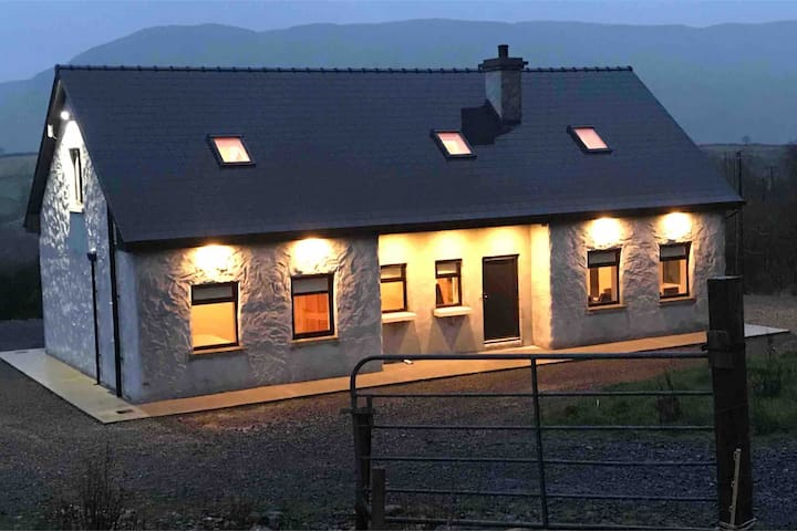 Tourmakeady self catering house ( Finny Clonbur )