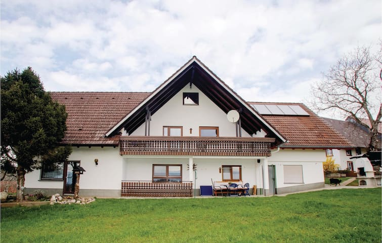 Holiday apartment with 1 bedroom on 70m² in Biederbach