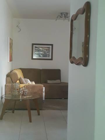 Apartamento bem localizado, no Bairro Petrópolis.