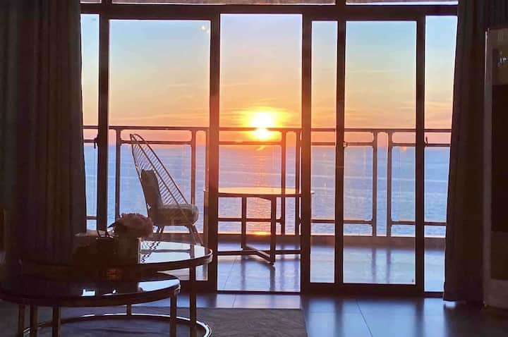 北部湾一号 老街 海底世界 【米可家】360度绝版海景轻奢4居室•卧室躺看海•楼下是沙滩•乳胶床垫