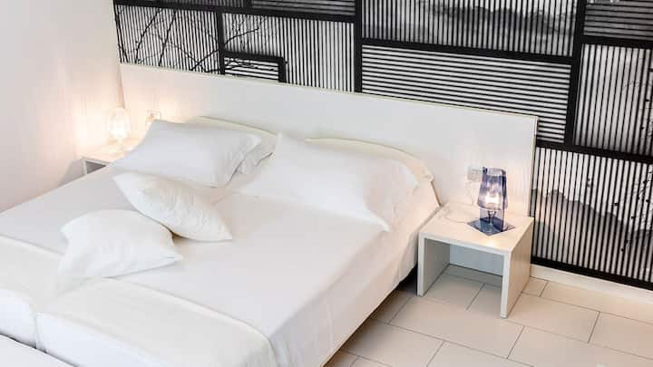 Residenza Caravaggio: NARCISO T01083