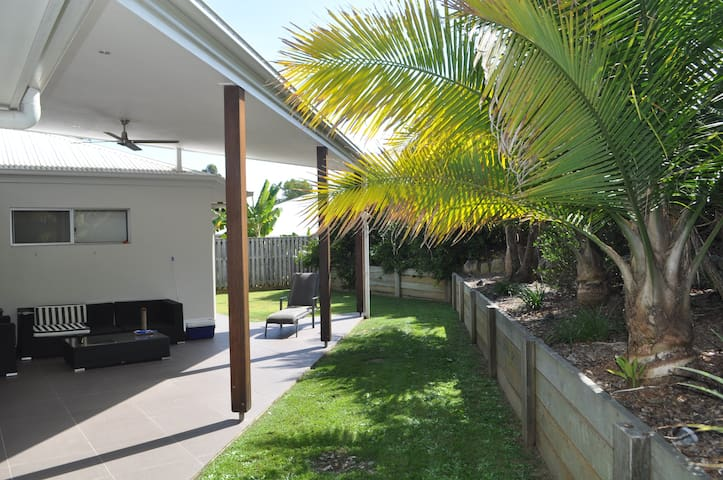 Quiet retreat in Woombye - Woombye - Casa