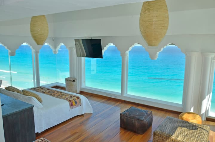 The Most Amaizing Pent House on the Beach