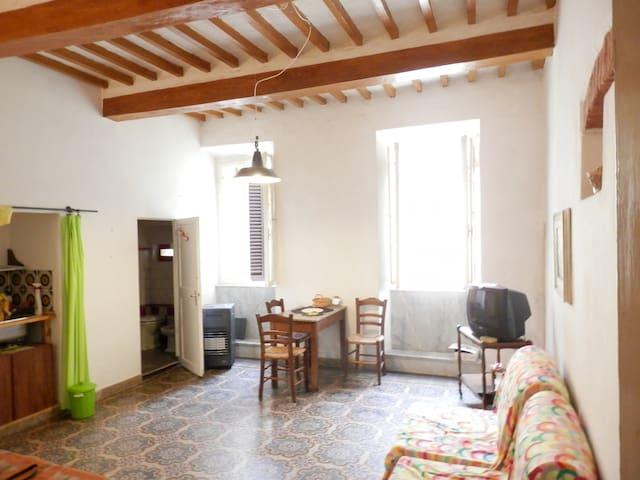 Toscana monolocale centro storico - Massa Marittima - Appartement