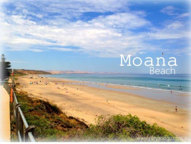 Moana Beach 10 min walk from my place
