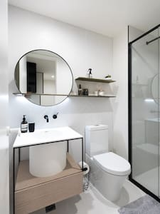 New Scandi Style own Bathroom in Collingwood - Collingwood - Wohnung