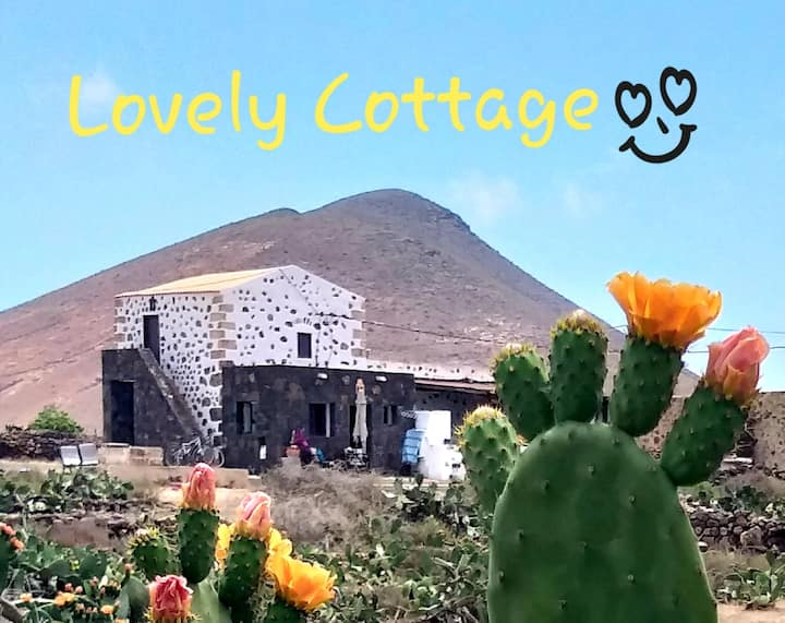 Lovely Cottage! Beautiful Sunsets and Night Skies!