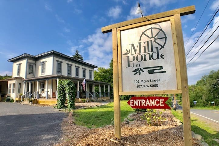 Mill Pond Inn Deluxe Full #4