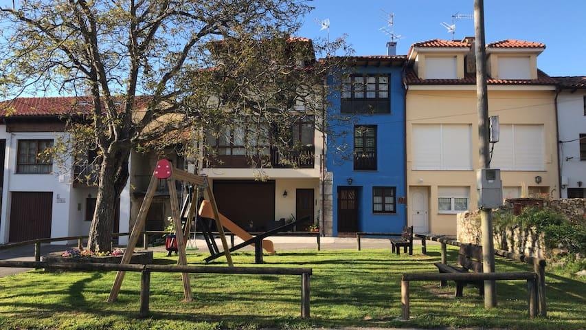 Casa con jardín en Porrua de Llanes