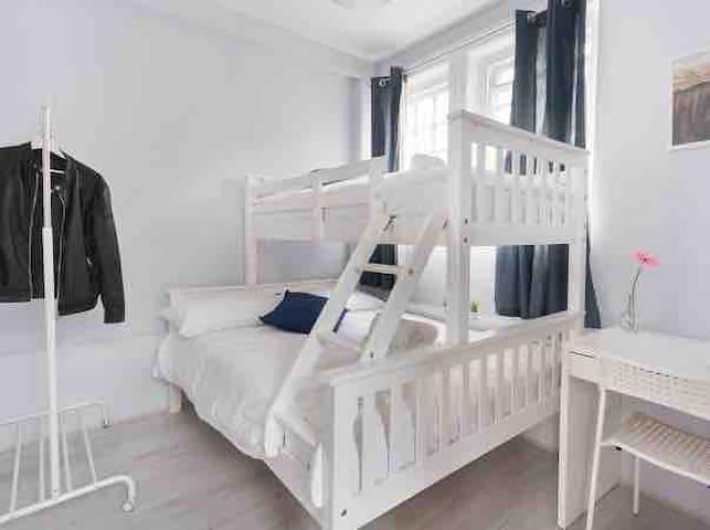 Cozy Room near Shoreditch