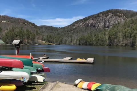 Merrie-Breeze: Quiet Getaway on Lake in Mountains
